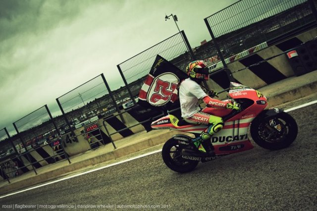 Valentino Rossi Tribute to Marco Simoncelli at the 2011 Motogp