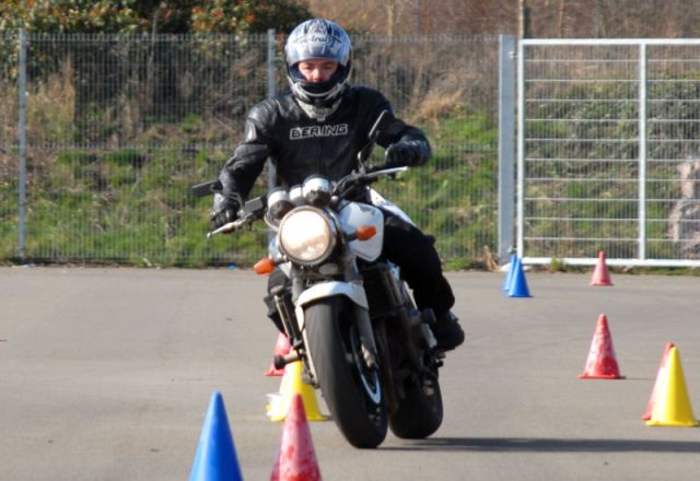 How to Pass UK Motorcycle Test - 2013
