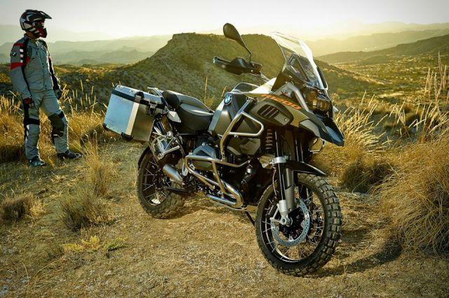2014-BMW-R1200-GS-Adventure-2